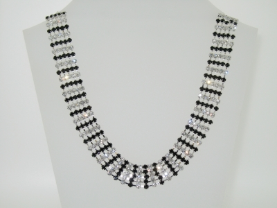 DIAMANTE CRYSTAL AND JET NECKLACE