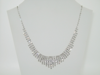 DIAMANTE NECKLACE.